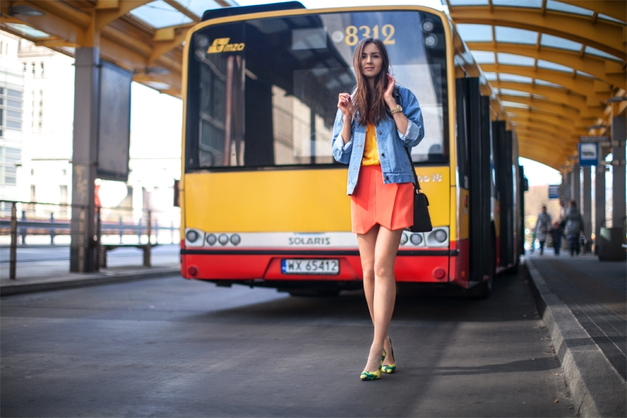 personal_style_fashion_blog_Ukraine_europe_denim_jacket_mini_skirt_orange_heels_tropical_print_Nika_Huk2