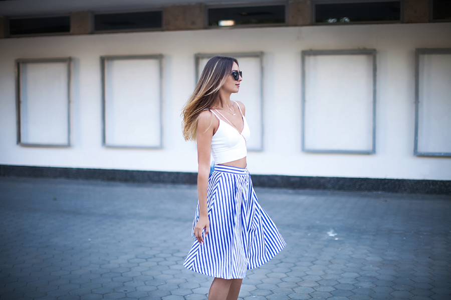 striped-midi-skirt-how-to-wear-outfit-ideas-crop-top