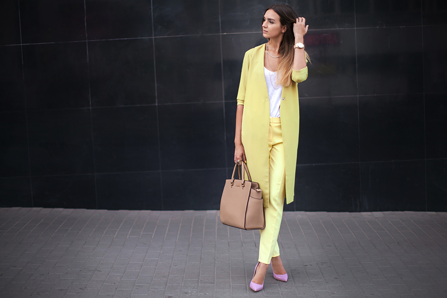 fashion-blogger-lime-yellow-duster-coat-asos-semilla-pink-heels