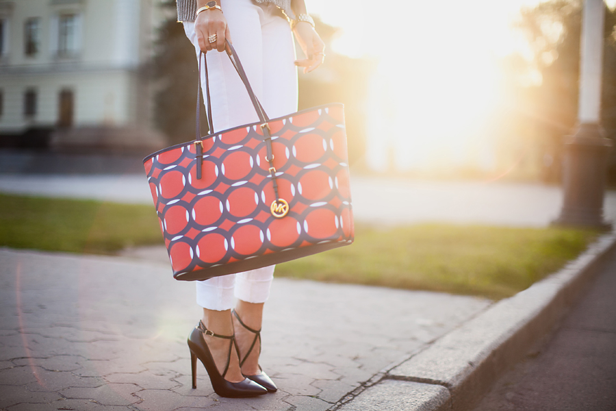 michael-kors-jet-set-printed-tote-saffiano-outfit-blogger