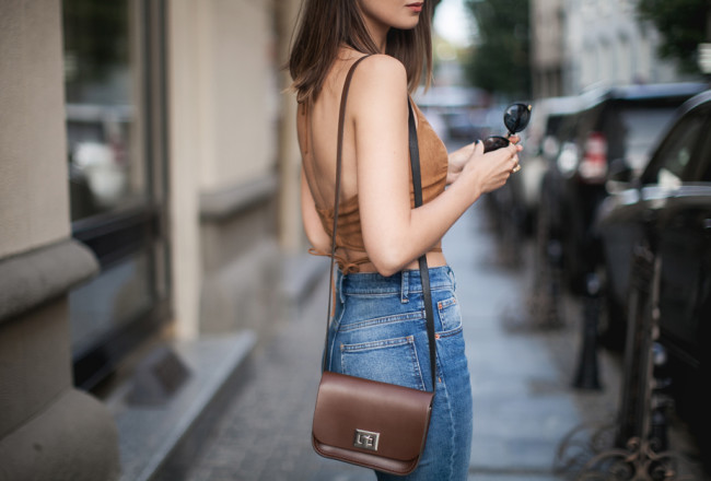 suede-top-outfit-street-style