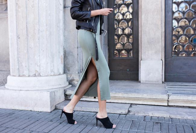khaki-green-dress-skirt-outfit-street-style