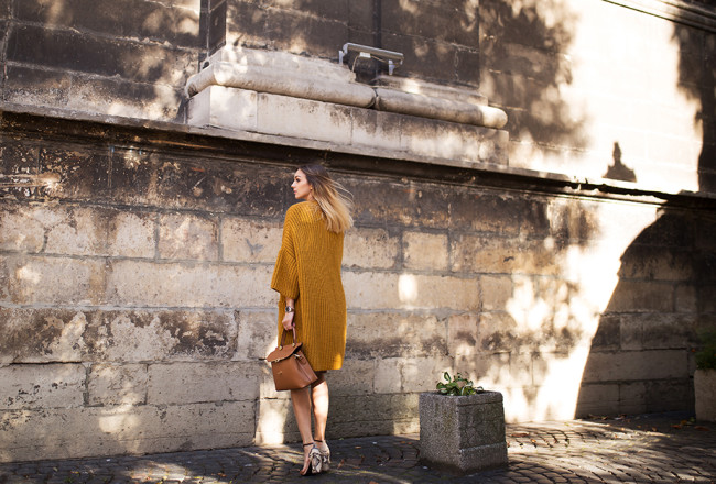 yellow-chunky-cardigan-outfit-street-style