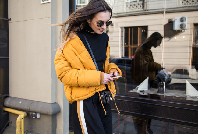 padded-jacket-yellow-orange-outfit-street-style
