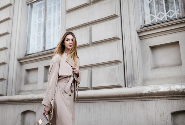fashion-blogger-trench-coat