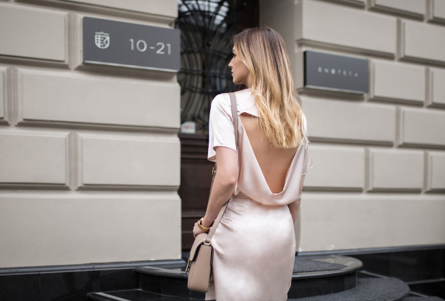 open-back-outfit-street-style copy
